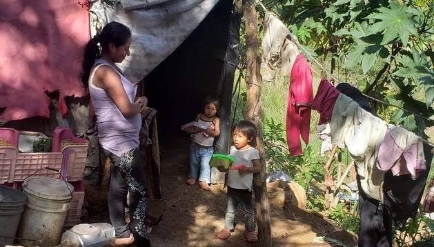 Una de las familias de Guatemala que recibirá las comidas de Pedreño.