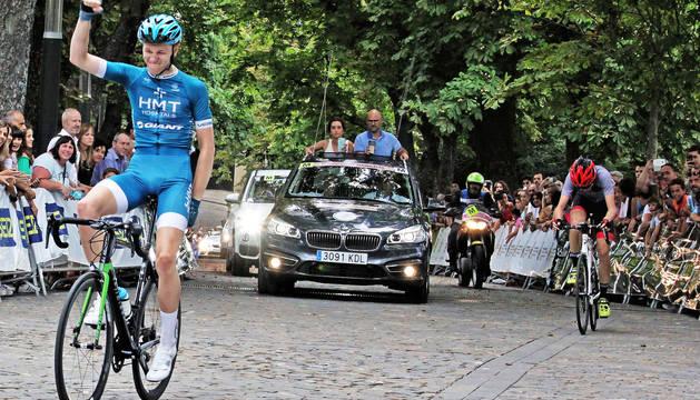 Xabier Isasa se proclama ganador de la Vuelta Pamplona