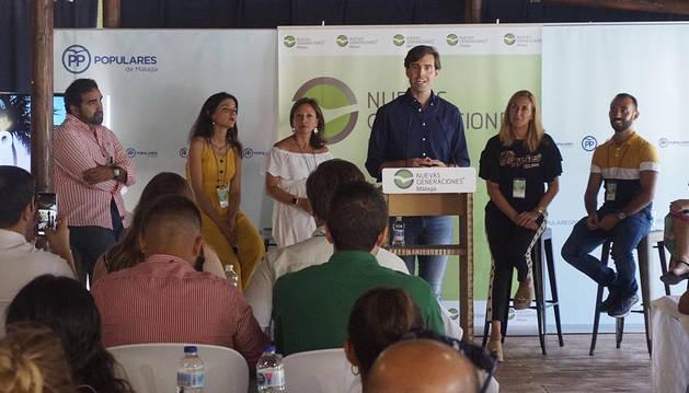 El vicesecretario de Comunicación del PP, Pablo Montesinos, interviene en la Escuela de Verano junto a Ana Beltrán.