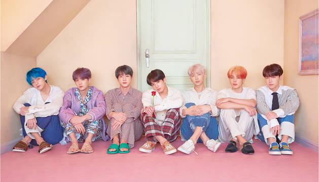 La banda surcoreana de K-Pop BTS anuncia su retirada temporal de los escenarios