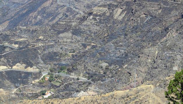 El incendio de Gran Canaria continúa activo, tras quemar más de 1.500 hectáreas
