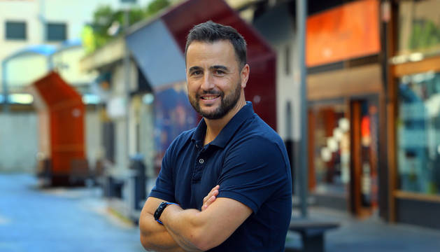Fernando García Echarri, el agente que evitó una estafa en plena calle.