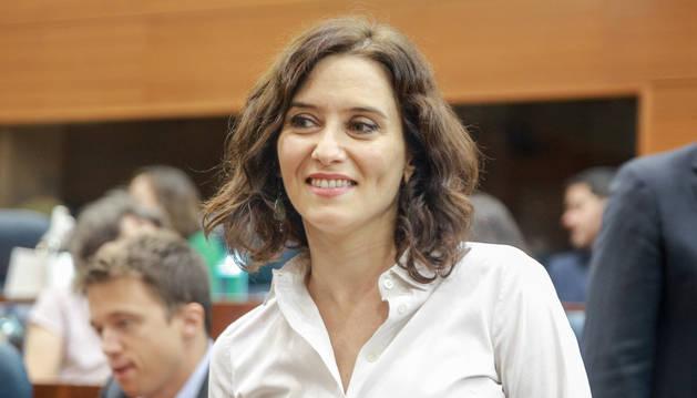 Díaz Ayuso, investida presidenta de Madrid con los votos de PP, Cs y Vox