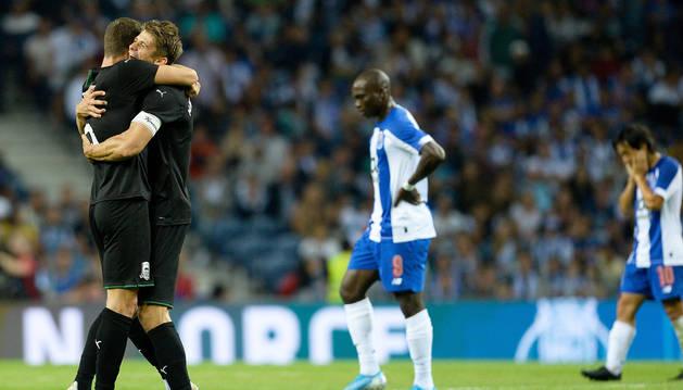 Alegría de los jugadores del Krasnodar ruso tras eliminar al Oporto en la tercera ronda previa de la Champions.