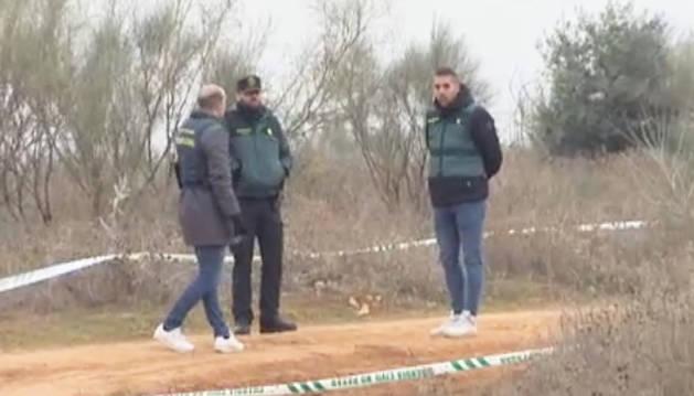 Agentes de la Guardia Civil en el lugar donde hallaron el cuerpo sin vida de Miriam Vallejo.