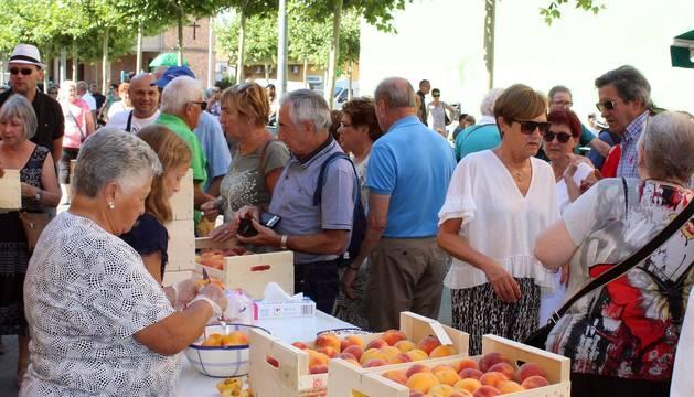 Todas las fotos de la VIII Feria del Melocotón de Sartaguda en el Diario de Navarra