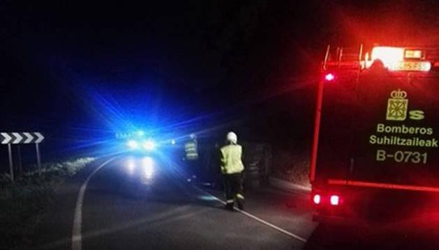 Foto de los Bomberos de Oronoz, que han acudido al lugar del accidente.
