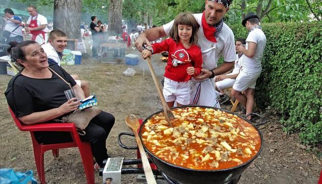 Todas las fotos de los calderetes de Fiestas de Burlada 2019 en el Diario de Navarra