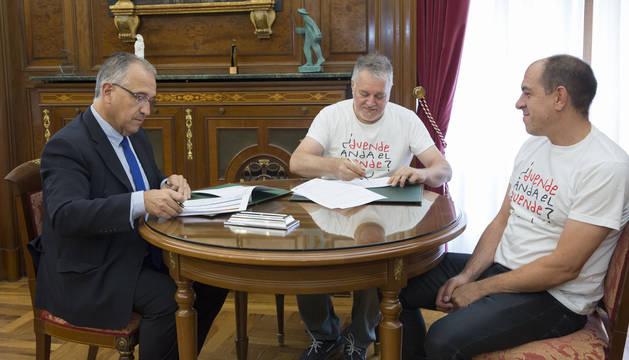 Rancapino y Antonio Higuero, en el Ayuntamiento.