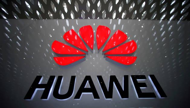 El logo de la compañía Huawei.