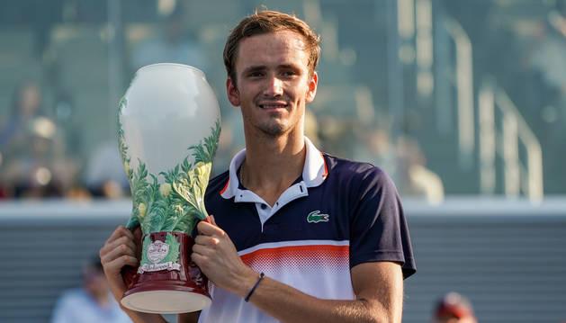 Medvedev gana su primer Masters 1.000 y llega triunfal al Abierto de EE.UU