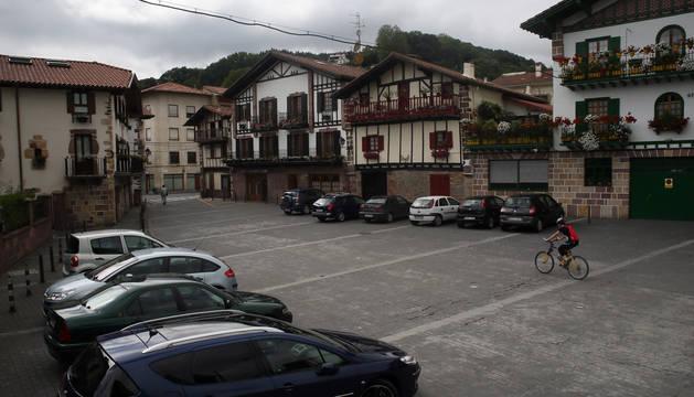 Detalle de la plaza Alzate, en el corazón urbano de Bera.