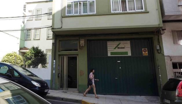 Fachada de la vivienda donde residía la familia del bebé de apenas dos meses, que se encuentra ingresado en la UCI del Hospital Universitario Lucus Augusti (HULA) por un supuesto caso de malos tratos.