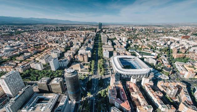 Vista aérea del Paseo de la Castellana en el barrio de Salamanca.