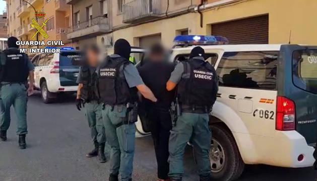 La Guardia Civil libera a una joven retenida por un hombre en Monzón
