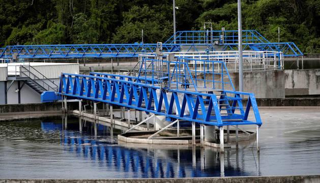 No hay pruebas de que los microplásticos en el agua potable amenacen la salud