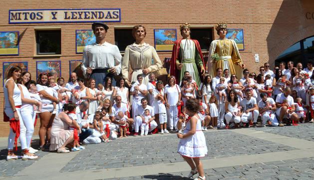 El Ayuntamiento impuso el pañuelo de fiestas a 36 niños, nacidos durante el último año en Mendavia o fuera del municipio, pero de padres o madres mendavieses.