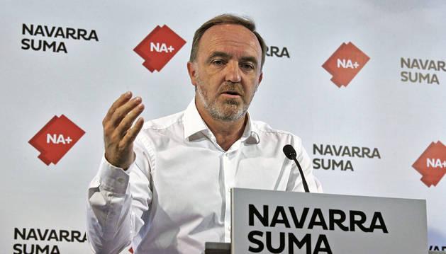 foto de El portavoz de Navarra Suma en el Parlamento de Navarra, Javier Esparza