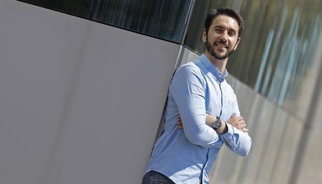 Foto de Javier Rincón Hanna, de 35 años e ingeniero en Berlín, la semana pasada en Pamplona, donde viven sus padres (Javier y Hanneh).