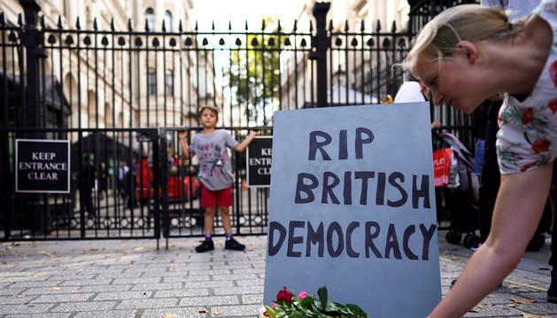 Johnson genera un seísmo político al solicitar la suspensión del Parlamento