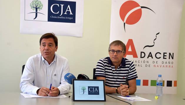 Foto de Ángel M. Gardachal, de la Clínica Josefina Arregui; y Francisco Fernández, de Adacen.