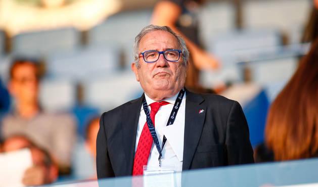 Luis Sabalza, en el palco del estadio de Butarque en la primera jornada de liga
