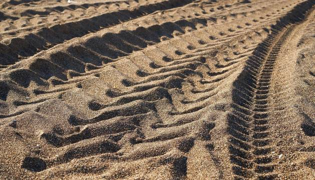 El salitre y la arena son los enemigos del automóvil. No espere a lavar su vehículo para reducir sus efectos negativos sobre la carrocería y otros elementos.