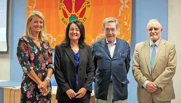 De izquierda a derecha, Eugenia López-Jacoiste, Alicia Chicharro, Rogelio Nasarre y Juan Antonio Jáñez-Barnuevo, ayer, en la UPNA.