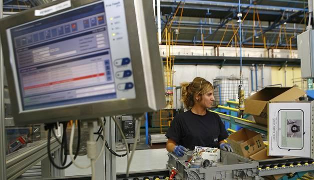 Todavía perviven muchos prejuicios sobre la presencia de la mujer en las fábricas.