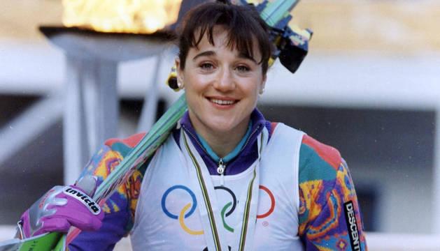 Blanca Fernández Ochoa, con la medalla de bronce de los Juegos de Albertville.