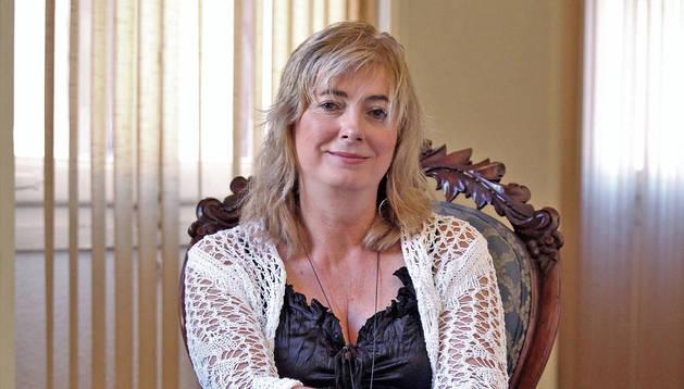 Foto de la consejera Ana Ollo, sentada este viernes en una silla del Palacio de Navarra.