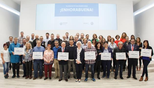 Foto de familia de la edición de 2018 'Tu Proyecto Solidario'.