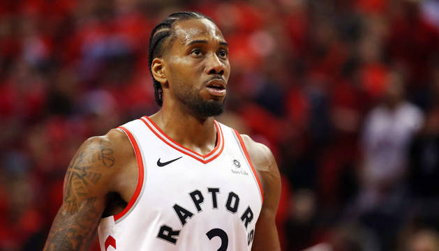 El jugador de la NBA Kawhi Leonard.