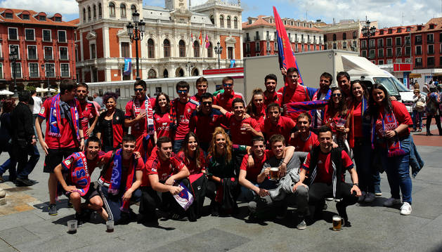 Foto de los aficionados rojillos en las calles de Valladolid en la última visita.