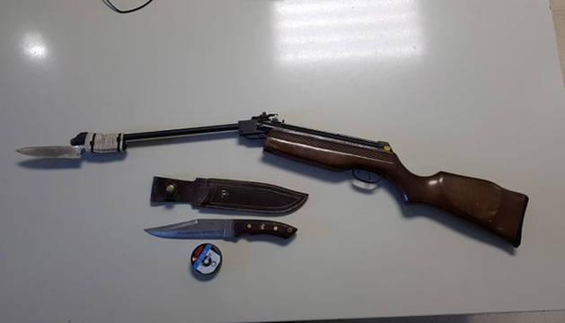 Foto de las armas intervenidas por la Policía Municipal.