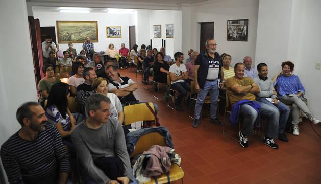 Cerca de 40 asistentes acudieron a la asamblea de Mairaga.