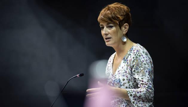 "Foto de la portavoz de EH Bildu, Bakartxo Ruiz, conminó a la presidenta a definir sus ""prioridades"" fiscales."