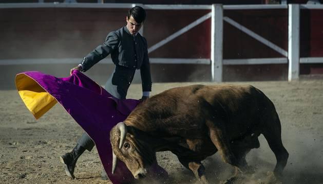 Galería de imágenes de la corrida de toros del 12 de septiembre en las fiestas de Sangüesa.
