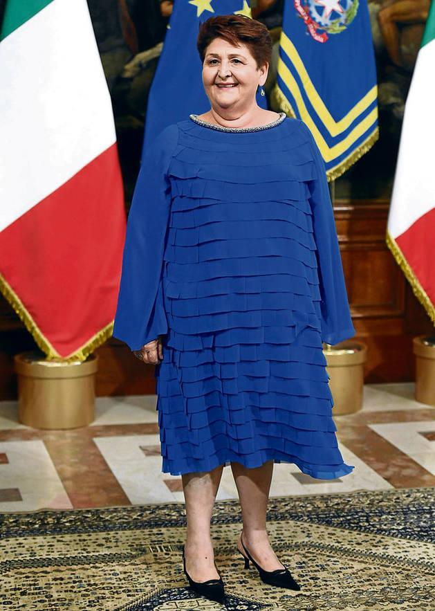 Teresa Bellanova, con su vestido, en la toma de posesión .