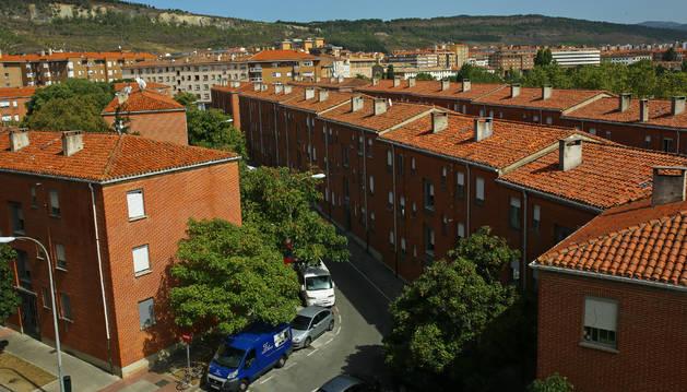 Imagen de los edificios que componen el Grupo San Pedro y donde se concentran la mayoría de viviendas municipales ocupadas.