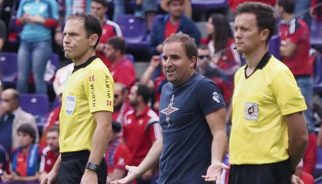 Jagoba Arrasate, entrenador de Osasuna, en el partido contra el Valladolid.