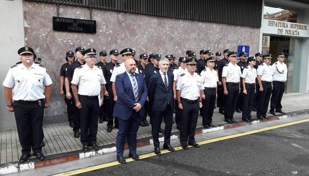 Foto del ministro del Interior en funciones, Fernando Grande Marlaska, en su visita a la Jefatura Superior de Policía Nacional en Pamplona