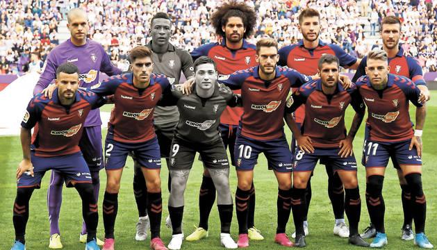 foto de El once de Valladolid con 9 jugadores del año pasado: Rubén Martínez, Aridane, David García y Oier (arriba), y Rubén García, Nacho Vidal, Torres, Mérida y Brandon (abajo).