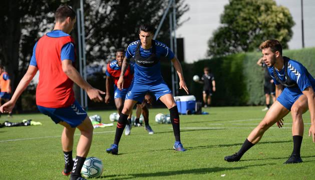 Luis Perea, en un entrenamiento de Osasuna.