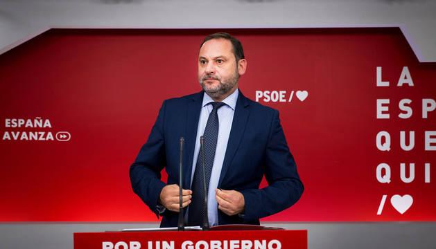 El secretario de Organización del PSOE, José Luis Ábalos, durante la rueda de prensa tras la Ejecutiva Federal del partido.