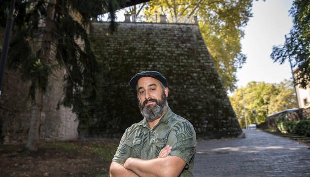 Aitor, autor del vídeo viral de la cascada de agua en las murallas de Labrit.