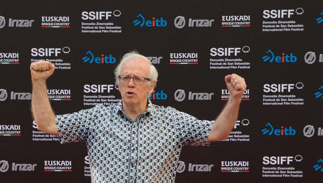 foto de Txepe Lara posa en San Sebastián el 30 de agosto, cuando se anunció que el Festival le concedía el premio Zinemira de este año