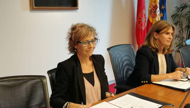 La consejera de Cultura y Deporte del Gobierno de Navarra, Rebeca Esnaola, en comisión parlamentaria.