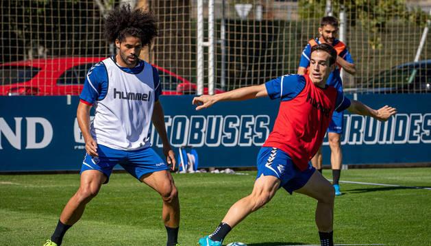 Íñigo Pérez y Kike Barja, la nota positiva en Tajonar