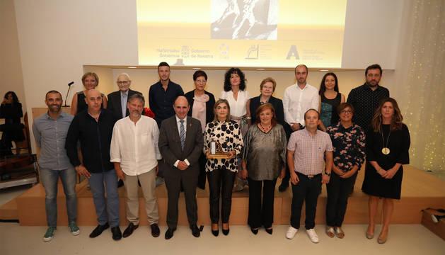 Foto de grupo de los autónomos galardonados y las autoridades.